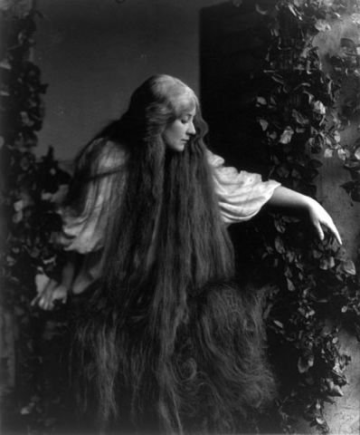 Mary_Garden_in_Debussy's_Pelléas_et_Mélisande_2